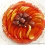 Kruche ciasto z owocami i galaretką