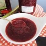 Dżem truskawkowy z rabarbarem i amaretto