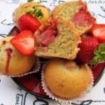 Muffiny z truskawkową niespodzianką (wegańskie)